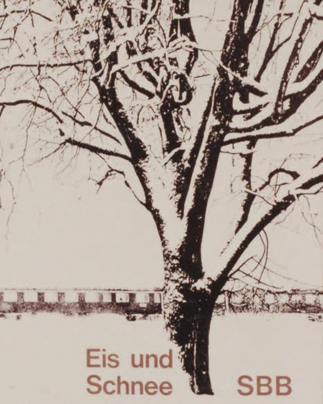 Plakat, das einen verschneiten Baum zeigt mit einem Zug im Hingergrund, dazu die Aufschrift «Eis und Schnee – SBB».