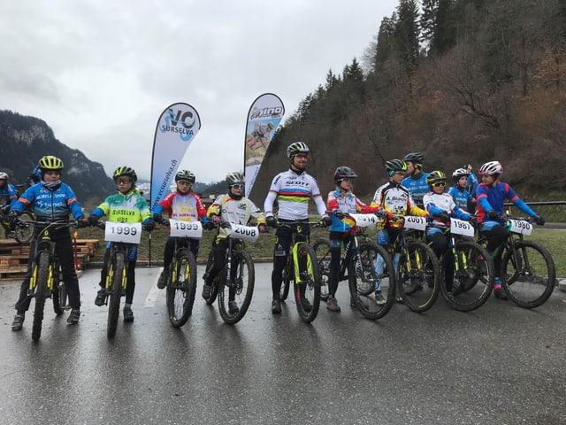 Nino Schurter e Mountainbikers.