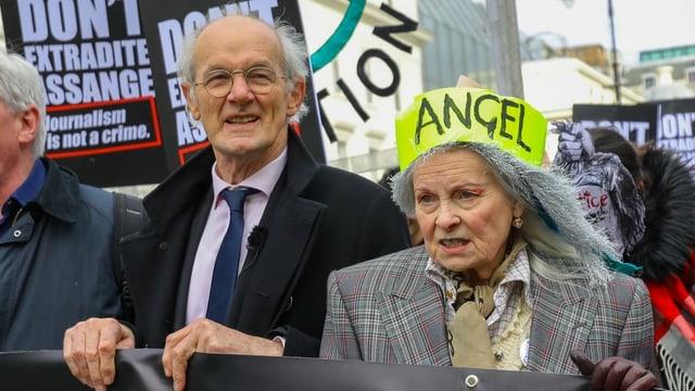 Promis demonstrieren gegen Auslieferung Assanges
