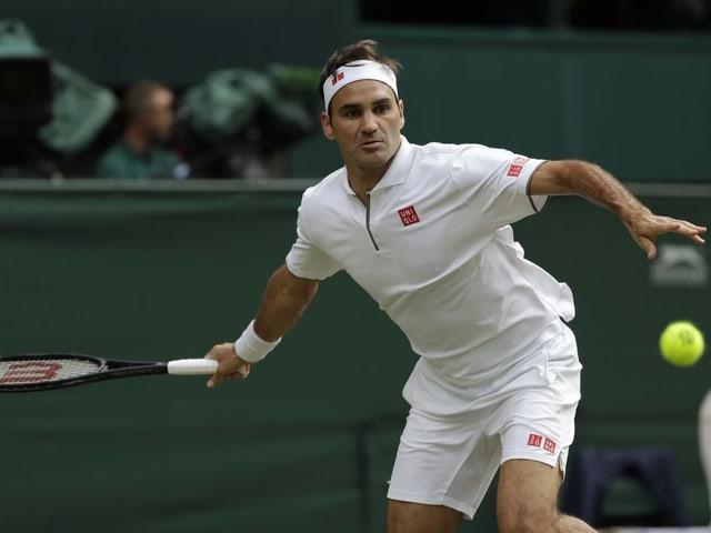 Roger Federer steht nach einem Viersatz-Sieg in der 2. Runde.