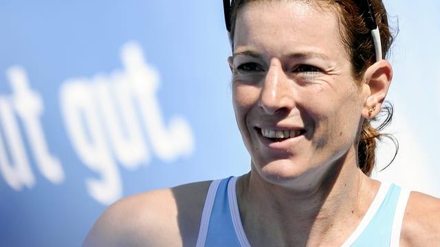 Nicola Spirig nach ihrem Zieleinlauf beim Ironman von Rapperswil 2014.