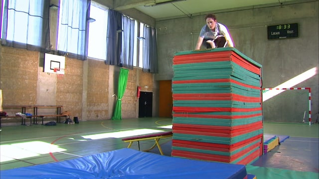 Video «Alors demande!: Le Parkour (13/15)» abspielen