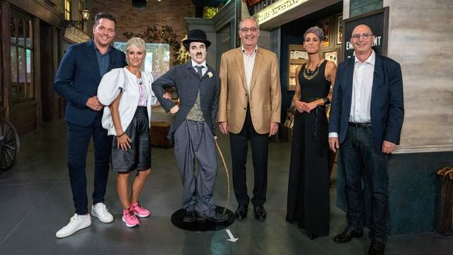 Sven Epiney, Clarissa Tami, Guy Parmelin, Corina Schmed e Jean-Marc Richard.
