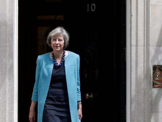 Theresa May vor 10, Downing Street.