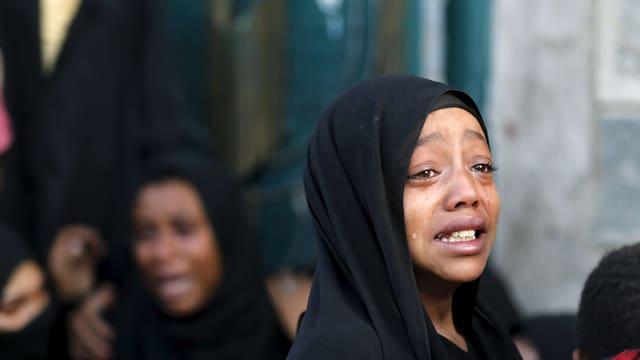 Jemenitisches Mädchen weint