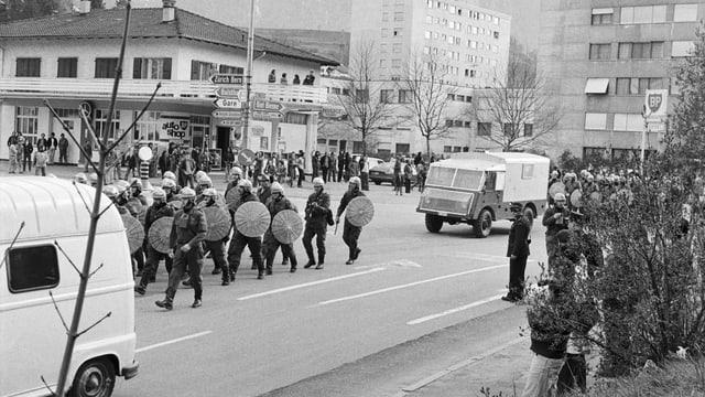 Strassenschlachten 1977 in Moutier