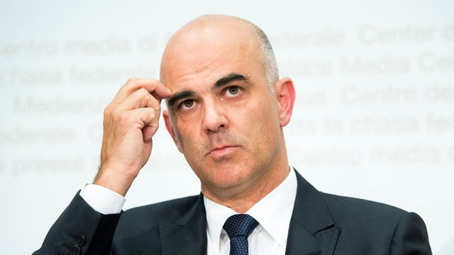 Alain Berset an der Medienkonferenz in Bern.