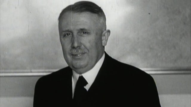 Standbild von Eduard von Steiger (schwarzweiss)