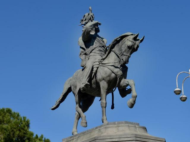 Ein Standbild von König Vittorio Emanuele III.