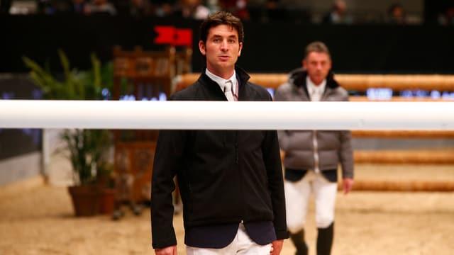 Springereit-Olympiasieger Steve Guerdat wurde von einem fremden Pferd getreten.
