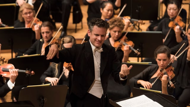 Philippe Jordan dirigiert das Orchestre de l'Opéra national de Paris im KKL.