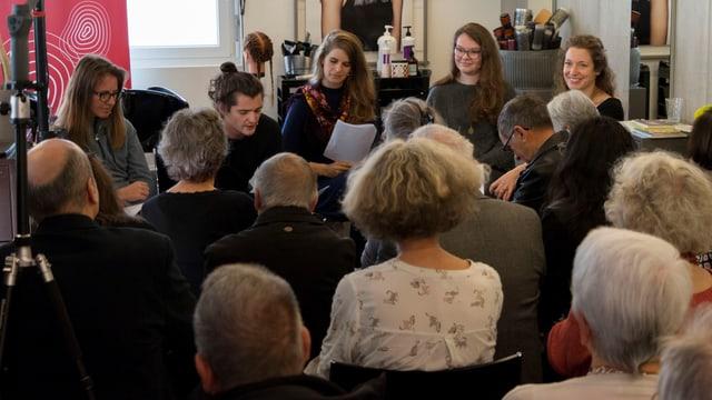 Myriam Pelican, Carlo Beer, Jessica Zuan, Sidonia Pazeller e la moderatura Flurina Badel