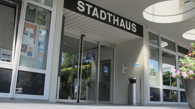 Eingang ins Oltner Stadthaus.
