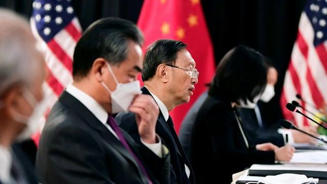 Chinas Spitzendiplomaten Yang Jiechi und Staatsrat Wang Yi.