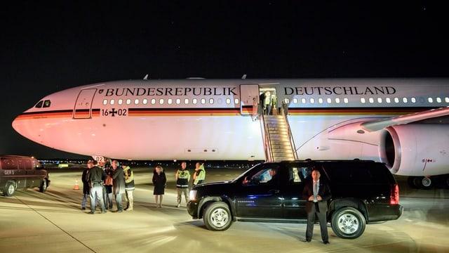 Der Airbus der Luftwaffe nach der Landung Merkels in der Nacht auf dem Flughafen von Washington.