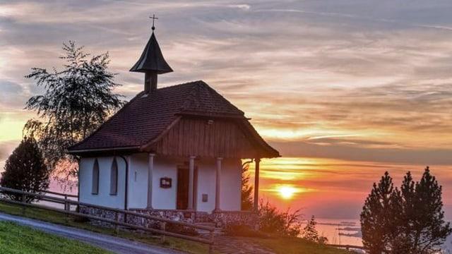 Kappelle vor Sonnenuntergang.