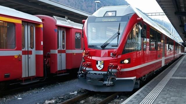 Il nov  tren ad autotracziun.