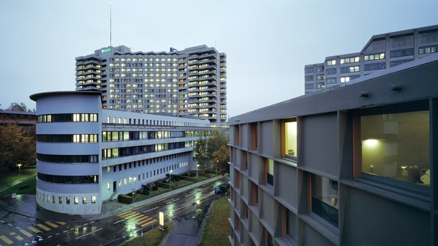 Aussenaufnahme des Inselspitals Bern.