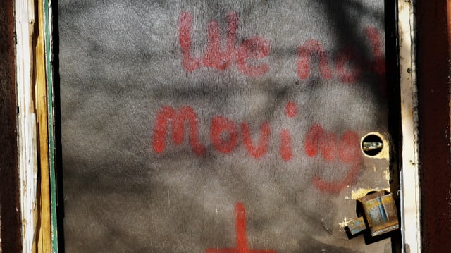 Sprayerei: We not moving.