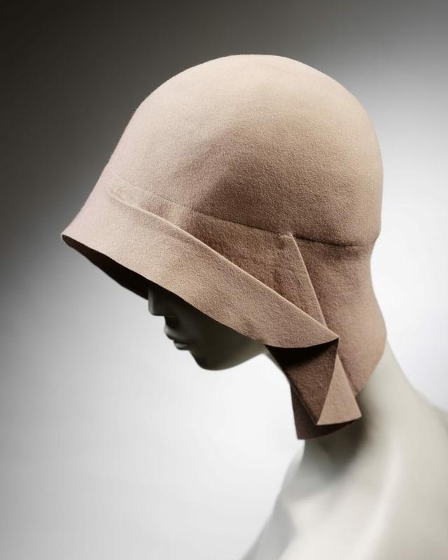 Cloche Hat. Miss Fox, 1928-29.