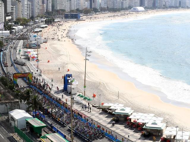 Das Feld an der Copacabana.