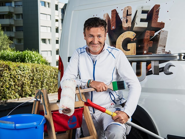 Roger mit Malerausrüstung.
