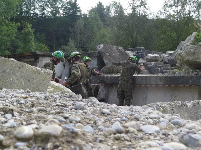 Soldaten üben den Ernstfall
