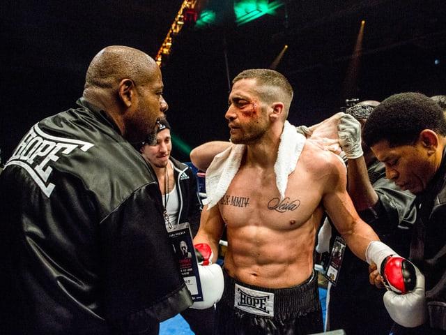 Coach Tick Wills (Forest Whitaker) mit seinem gezeichneten Schützling (Jake Gyllenhaal).