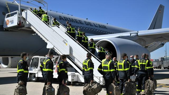 Frankreich schickt Rettungskräfte