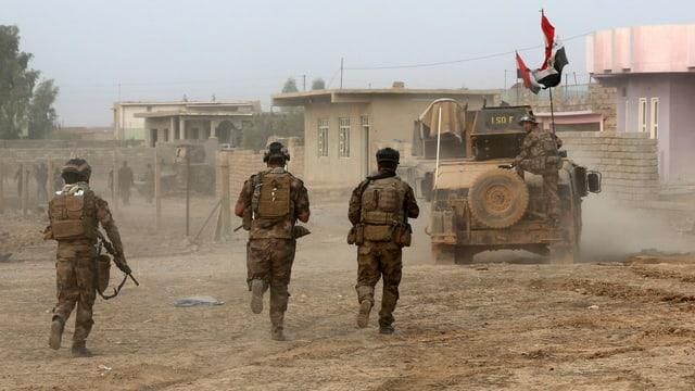 Zu sehen sind irakische Soldaten beim Kampf um Mossul.