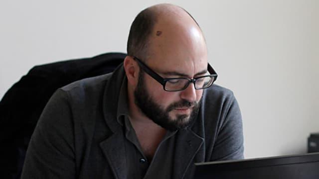 Tsianos am Computer.