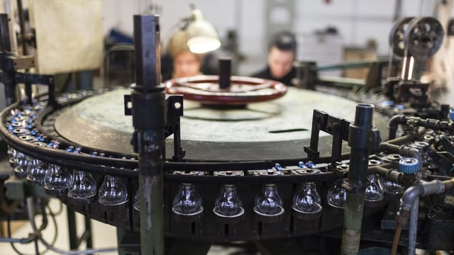 Fabrikation der Glühbirne in Immensee