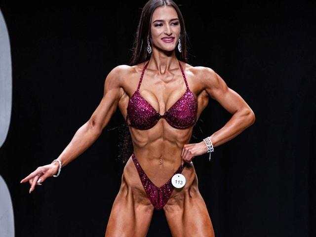 Bodybuilderin am Posen