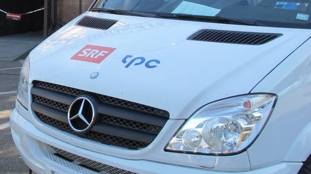 Front eines Sendewagens mit SRF-Logo