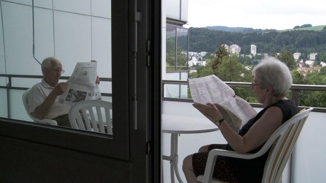Peter Liechtis Eltern auf ihrer Terrasse