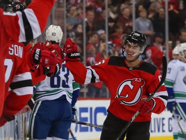 Devils siegen erneut - Jack entscheidet Bruderduell gegen Quinn