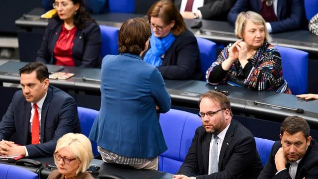 SPD-Co-Chefin wandte Saskia Esken wandete einem AfD-Sprecher demonstrativ den Rücken zu.