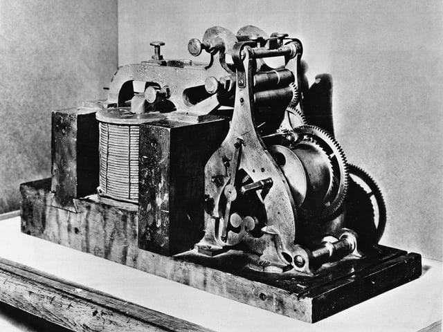 Ein alter klobiger Telegraf.