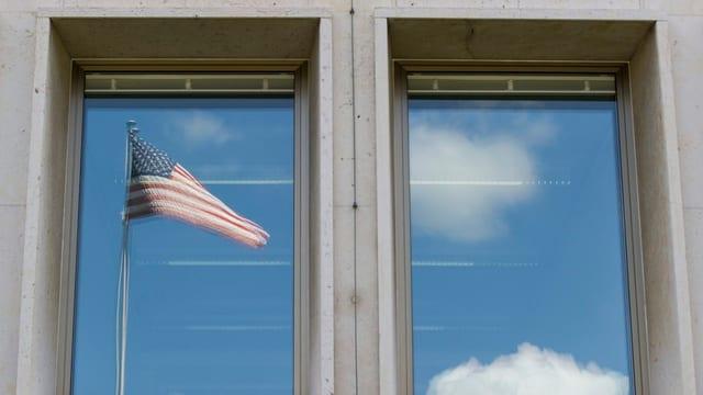 US-Flagge in Fenster