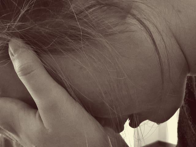 Depression frau weint