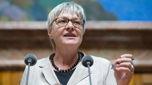 Rosmarie Quadranti am Rednerpult im Nationalratssaal