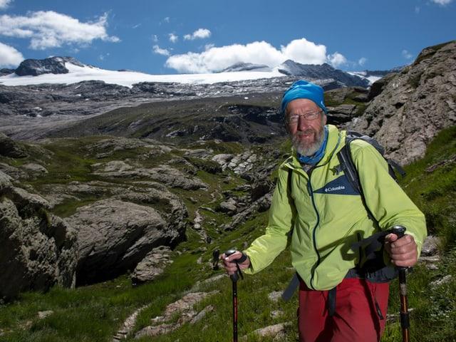 Kappenberger vor dem Gletscher.