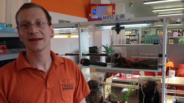 Christian Mock und Ameisenterrarium