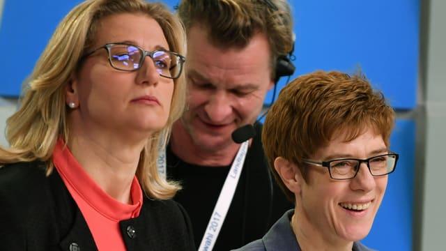 Anke Rehlinger (SPD) e la victura Annegret Kramp-Karrenbauer (CDU)