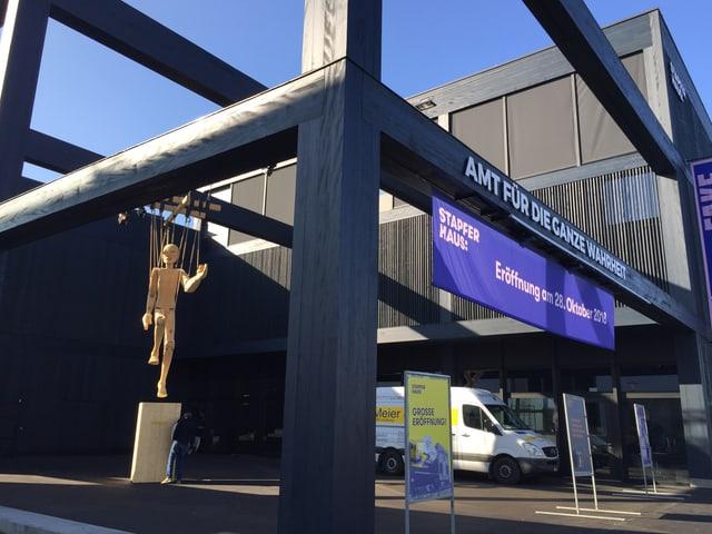 Das neue Ausstellungsgebäude des Stapferhauses Lenzburg beim Bahnhof.