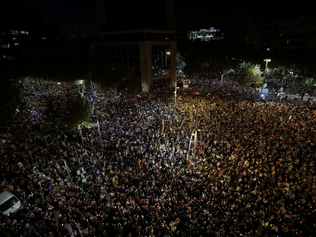 Tausende versammeln sich für Proteste
