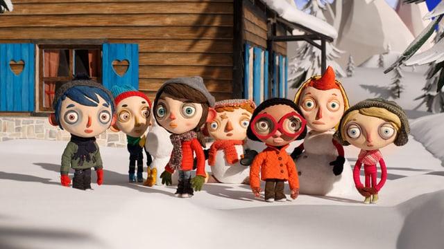 Courgette steht mit seinen neuen Klassenkameraden im Schnee.
