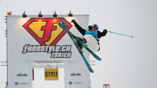 Freeski-Fahrer Elias Ambühl sorgte für Action.