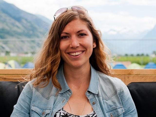 Julia aus Bern wollte vor ihrem 30. Geburtstag unbedingt nochmals ans Open Air Gampel. Und bewarb sich ganz alleine fürs #srf3camp. Respekt!