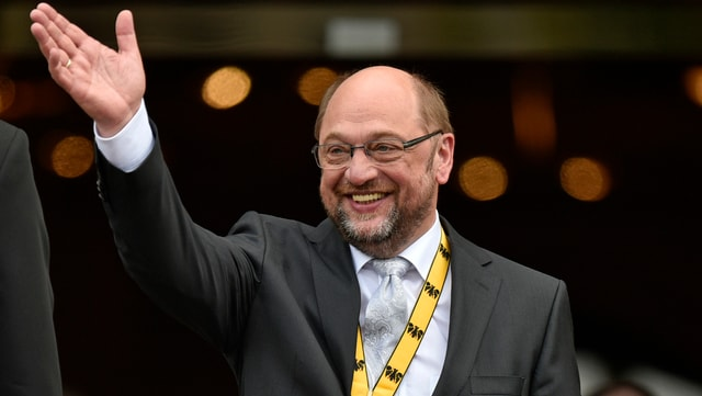 Martin Schulz tar la surdada dal premi da la citad dad Aachen.